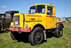 761FUL (stamper104) Tags: transport transportintheframe transportoftheworld alltypesoftransport anykindofvehicles unipower heathrow airport 2016gloucestershirevintagecountryextravaganza
