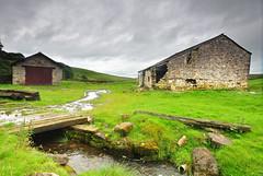 Dales Barn. (johnandco) Tags: nikon yorkshire barns burns swamps rivers fields streams becks dales brooks flicker medows laithes