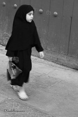 06_0037 (G_i_a_d_a) Tags: donna strada bambini streetphotography photojournalism bn marocco donne moschea volti uomini musulmani socialreportage travelreportage