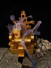 The Crystal Skeleton's Day Off (ridureyu1) Tags: toy toys actionfigure aztec alien lucas soda rement remake spielberg throne indianajones extraterrestrial hasbro southamerican crystalskull toyphotography mailaway indianajonesandthecrystalskull crystalskeleton sonycybershotdscw220 thecrystalskeletonsdayoff