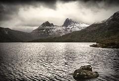 Dove Lake, Cradle Mountain, Tasmania (Iksana Imagery (Busy Editing)) Tags: mountain lake snow clouds canon eos nationalpark aperture australia tasmania dovelake cradlemountain 1635mm cradlemountainlakestclairnationalpark niksoftware 5dmkii