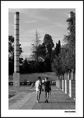 51 (cesar casellas) Tags: barcelona plaza espaa cloud white black blanco clouds y stadium negro columns estadio nubes olympic zona nuvols plaa columnas olimpica espanya columnes estadi