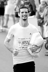 Con el testigo (vienadirecto) Tags: sport marathon deporte niedersterreich wachau 2012 carrera 16deseptiembre maratn lauf bajaaustria diefroyadoren
