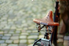 Brooks (Marcel Cavelti) Tags: bokeh chur altstadt velo fahrrad brooks bycicle xpro1 dscf0776bearb
