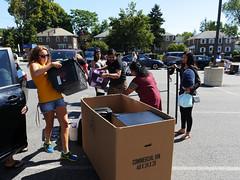 P1260849 (Widener University) Tags: movein studentmoveinday freshmanmoveinday freshman transfer boxes bins unload volunteers faculty staff