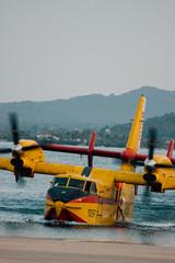 Apagafuegos - Port Pollena (NACHOLOOOOO) Tags: apagafuegos ejercito del aire ume eos canon 100d vsco black white sky water pollensa flight guardia civil