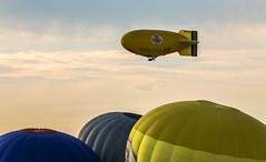 Meeting (in explore) (tan.ja1212) Tags: montgolfiade warstein 2016 heisluftballon ballon luftfahrtschiff himmel wolken balloon sky clouds airship deutschland germany