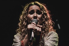 Can't Help Falling (Frozen Image Productions) Tags: haleyreinhart music concertphotographer concerts gigphotographer giglife landscape media art performance il jazz alternative soul talented tourphotographer