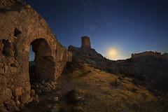 THE MEMORY REMAINS (Der_Golem_) Tags: ruinas 2016 ojodepez abandonado solitario castillodexiquena almeria linterna vialactea xiquena vacaciones nocturna largaexposicion verano lorca