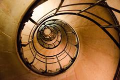 arc de triomphe study (Tafelzwerk) Tags: paris nikon staircase arcdetriomphe schnecke strairs treppen treppenhaus wendeltreppe triumpfbogen d7000