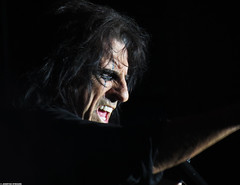 20120808_09 Alice Cooper at Liseberg | Gothenburg, Sweden (ratexla) Tags: show life people musician music man men guy celebrity rock musicians gteborg person concert europe artist tour rockstar sweden earth live famous gothenburg gig performance guys dude entertainment human liseberg artists rockroll horror shock celebrities sverige celebs rocknroll musik dudes scandinavia celeb humans scandinavian konsert 2012 alicecooper goteborg tellus homosapiens organism storascenen photophotospicturepicturesimageimagesfotofotonbildbilder notintheeternityset canonpowershotsx40hs 8aug2012