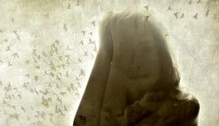 Mirada que disipa la bruma y refleja una expresin... dibujo que se gesta libre, sensual, imperfecto... campana que repica y diluye la opacidad del mundo... (conejo721*) Tags: argentina amor pjaros texturas palabras mardelplata ramas poesa poema sentimientos rostrodemujer conejo721