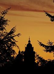 Kelvingrove Cupola (Jani Helle) Tags: park scotland twilight dusk glasgow towers kelvingrove kelvingrovepark kelvingrovea
