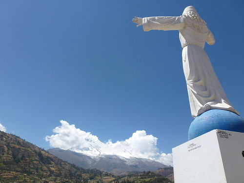 Yungay cemetery and Huascarán