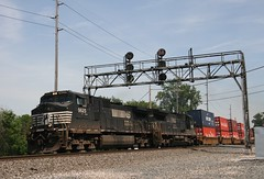 Norfolk Southern 9625 (RickM2007) Tags: ns containers c409w stacktrain containertrain nspower nsrailroad ns9625 nsline nstrain millburyohio nsfreighttrain