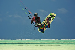 Kitesurfing In Paje (Gatria) Tags: africa sport by night tanzania jump cross action kitesurfing east afrika local 28 zanzibar process polarizer sansibar aktion actie extender watersport 70200mm 2x tansania paje