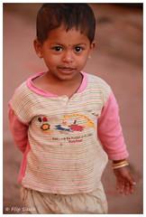 IMG_0099.jpg (f.slezak) Tags: travel girls people woman india girl face asia village karnataka hindu hinduism hindi badami southindia indiansubcontinent