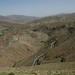Estradas serpenteando pelas montanhas