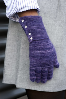 Alanna Nelson chooses gloves to knit for Boston winters