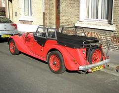 Morgan Tourer rouge (gueguette80 ... Définitivement non voyant) Tags: red cars rouge convertible british autos morgan amiens cabriolet tourer somme redcars anglaises