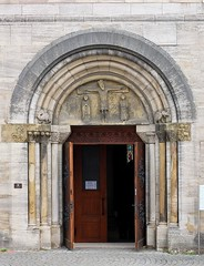 Johanniskirche, Schwbisch Gmnd (to.wi) Tags: schwbischgmnd gmnd remstal towi sehenswrdigkeiten kirche johanniskirche church tor tr eingang