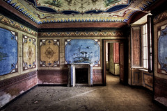 Spring (Mike Foo) Tags: urbex abandoned abbandono oputn oputnmsto canon canon5dmark3 italy italia urbexitaly urbexitalia explorers exploration derelict decay takenothingbutpictures leavenothingbutfootprints forgotten forbidden lost lostworld urbexworld abandonedworld grime dirty creepy ghostly haunting scary hdr rozklad fireplace room