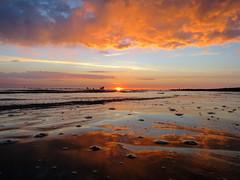 IMG_0032x (gzammarchi) Tags: italia paesaggio natura mare ravenna lidodidante alba sole nuvola riflesso