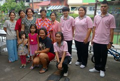group portrait (the foreign photographer - ) Tags: aug282016sony group portrait twelve people pink shirts khlong lard phrao portraits bangkhen bangkok thailand sony rx100