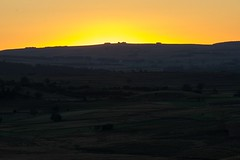 Coucher du soleil sur le plateau de l'Aubrac  Marchastel, Lozre, Languedoc-Roussillon (lyli12) Tags: aubrac coucherdesoleil lozre paysage landscape nature lumire soir t campagne nikon d7000 tamronsp70200f28divcusd soleil sunset sun coucher