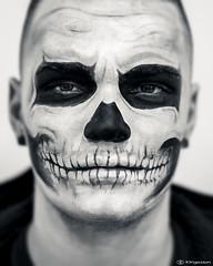 Romics 9335 ( explore ) (kingeston) Tags: kingeston nikon d40 50mm roma rome fiera del fumetto romics 2016 autunno portrait maschera morte cosplay cosplayer monocrome monochrome