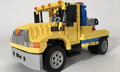 International DuraStar Tow (thirdwigg) Tags: legotechnic lego technic truck towtruck international internationaltrucks pneumatic