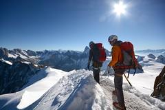 En route vers l'humilité (jean paul lesage) Tags: montblanc chamonix aiguilledumidi glaciers alpes alps alpinisme alpinistes