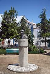 Monumento ao Doutor Ravasco dos Anjos - Mouro - Portugal (Portuguese_eyes) Tags: portugal mouro