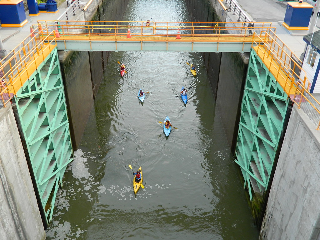 clearing lock 35