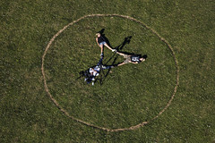 Three In The Circle (Aerial Photography) Tags: people verde green by circle la triangle aerial menschen grün stern luftbild kreis landshut luftaufnahme dreieck ndb fotoklausleidorfwwwleidorfde 30062012 19082012 1ds82051 flugplatzstrase