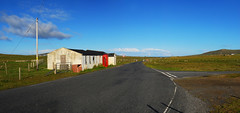 Red in Shetland (Wrinzo) Tags: red cabin telephone cabina telefonica unst shetlandislands isoleshetland