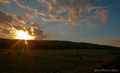 (Sous l'Oeil de Sylvie) Tags: sunset summer sky clouds rural river evening pentax august stgeorges ciel t nuages soir campagne coucherdesoleil 2012 aot beauce sigma1020mm k7 rivirechaudire ruralit ballesdefoin sousloeildesylvie