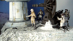 "Battle of Hoth diorama - rebel general Pharl McQuarrie and a 1.4 FD P-Tower laser cannon • <a style=""font-size:0.8em;"" href=""http://www.flickr.com/photos/86825788@N06/7949268078/"" target=""_blank"">View on Flickr</a>"