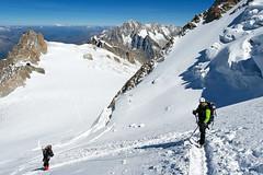Mont Blanc du Tacul ... 6 (TomFahy.com) Tags: travel people mountain snow france alps rock landscape climb glacier climbing hut alpine mountaineering chamonix montblanc refuge aiguilledumidi montblancdutacul aiguilleverte sonydscr1 coldumidi lesdroites refugedescosmiques aiguilledumoine