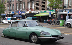 They are still out there (Amsterdam RAIL) Tags: green classic car amsterdam citron voiture coche oldtimer kar overtoom citronds ctroen alltypesoftransport amsterdamrail dm1362