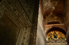 Bronze Door & Mosaics, Hagia Sophia, Istanbul, Turkey (SvKck) Tags: church turkey ana child christ symbol geometry mosaic swastika trkiye kirchen christian virgin trkei sacredplace architektur ottoman  isa architettura symbolism constantinople mosque byzantium geometrie turchia mozaik sancta geometri svastika moschee  klster geometra stambul osmanl lugarsagrado meryem kapellen  constantinopolis   damija islambol moskeija stamboul dersaadet  meschita islambul mscid pyitaht arhitectur luogosacro carigrad ottomanstyle  argitektuur      kostantiniyye knstantinoupolis    tsargrad mizgeft svkck  kutsalmekan sembolizm