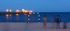 Strandspiele (kalakeli) Tags: grmitz nachtaufnahmen nightshots longexposure langzeitbelichtung blauestunde bluehour landungssteggrmitz landungssteg balticsea ostsee meer sea 20secs