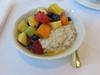 Bircher Müsli mit frischem Obstsalat (vom Frühstücksbuffet im Hotel Schatzmann, Triesen, Liechtenstein) (multipel_bleiben) Tags: essen frühstück gastronomie obst müsli