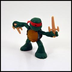 1 Year In A Toybox 2, 267_366 - Raphael [Ninjas In Training] (Corey's Toybox) Tags: teenagemutantninjaturtles ninjaturtles tmnt actionfigure figure toy playmates nick nickelodeon raphael ninjasintraining