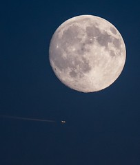 Jet and Moon (leighchen) Tags: handheld tc14 sunset nikon d500 airlines jet moon