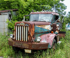 Another Of Tom's Autocars (J Wells S) Tags: autocar semitractortrailertruck rust rusty crusty abandoned 18wheeler bigrig tomrohrich historictruck vintagetruck batavia ohio mikestowingrecovery aths americantruckhistoricalsociety autocarsemitractor camiones lorry acar