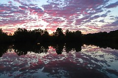 Reflection matinale (sergecos) Tags: reflet reflection sunrise leverdesoleil aurore nuages clouds ciel sky silhouette nature sony eauwater laclake waterscape