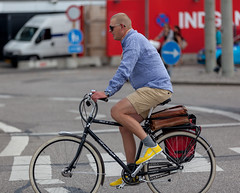 Copenhagen Bikehaven by Mellbin - Bike Cycle Bicycle - 2012 - 8434 (Franz-Michael S. Mellbin) Tags: street people fashion bike bicycle copenhagen denmark cycling cyclist bicicleta cycle biking bici 自行车 velo fahrrad vélo sykkel fiets rower cykel 自転車 accessorize copenhague サイクリング デンマーク サイクル мода велосипед 哥本哈根 コペンハーゲン 脚踏车 biciclettes 丹麦 cyclechic cycleculture الدراجة дания копенгаген copenhagencyclechic 骑自行车 copenhagenize bikehaven copenhagenbikehaven velofashion copenhagencycleculture 的自行车