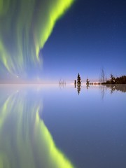 Aurora Mirrored (Ed Boudreau) Tags: northernlights auroraborealis autofocus photomix greatphotographers flickraward bestcapturesaoi elitegalleryaoi flickraward5 mygearandme mygearandmepremium mygearandmebronze mygearandmesilver mygearandmegold mygearandmeplatinum mygearandmediamond onlythebestofnature flickrawardgallery greatestphotographers ultimatephotographers ruby10 ruby15 rememberthatmomentlevel1 rememberthatmomentlevel2 rememberthatmomentlevel5 rememberthatmomentlevel6