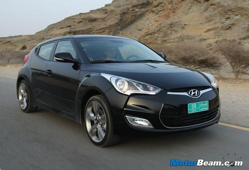 2012-Hyundai-Veloster-10